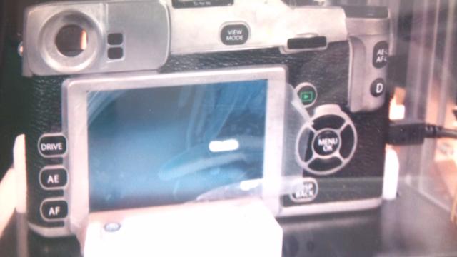 Fuji-mirrorless-camera3