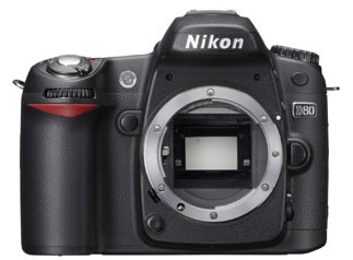 Nikond80_front